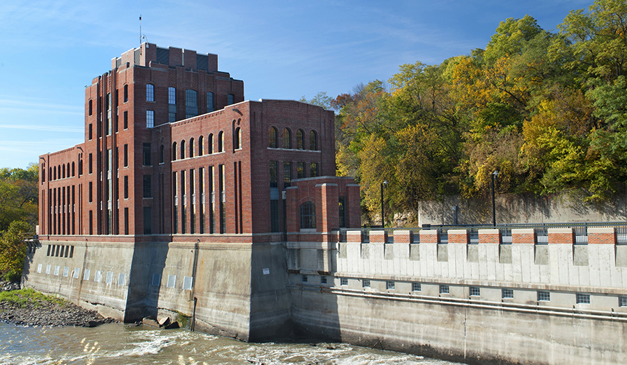 Exterior shot of the Stanley Hydraulics Lab on the Iowa River.